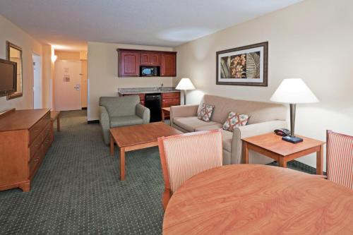 Holiday Inn Hotel & Suites Clearwater Beach Photo