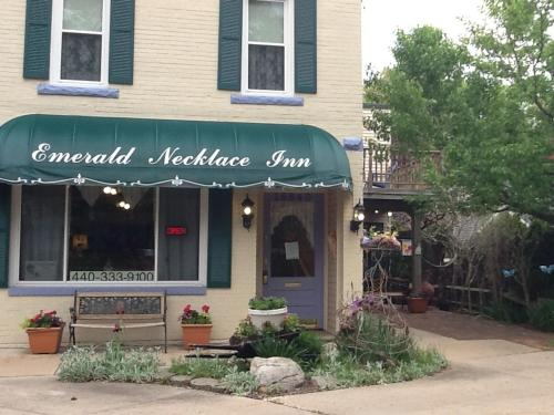 Emerald Necklace Inn Bed and Breakfast Photo