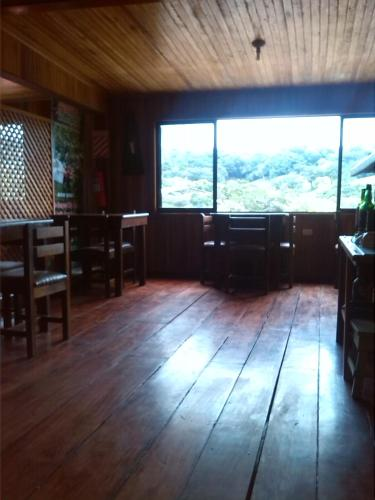 Hostal Mountain View Backpackers Photo