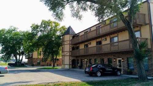 Alexis Park Inn & Suites - Extended Stay - Iowa City, IA 52246