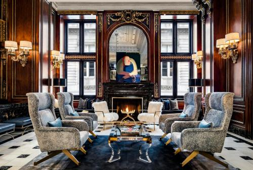 Hotels Near Columbia College Chicago