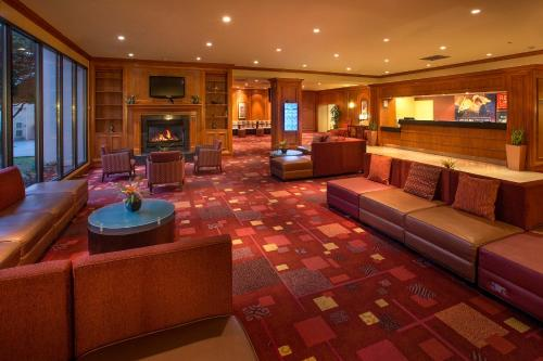Red Lion Hotel & Conference Center - Seattle/Renton Photo