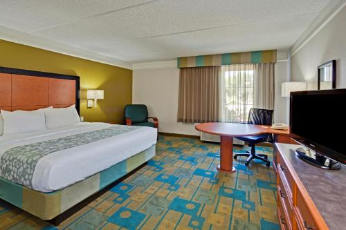 La Quinta Inn & Suites Orlando I Drive/Conv Center Photo