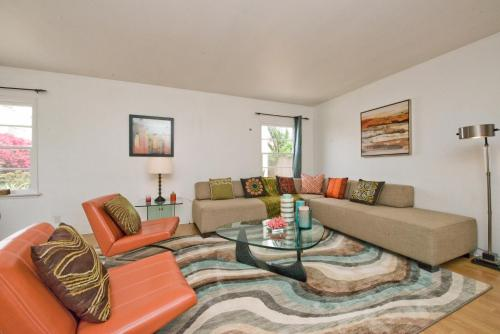 Modern Downtown San Diego Bungalow -Convention - San Diego, CA 92102