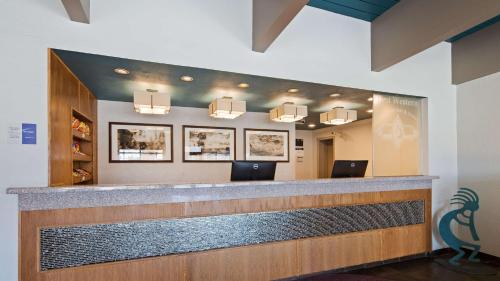 Best Western Turquoise Inn & Suites Photo
