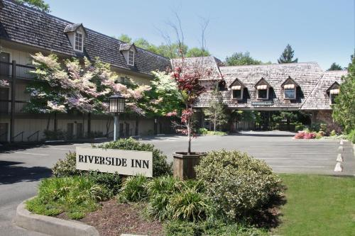 Photo of Riverside Inn hotel in Grants Pass