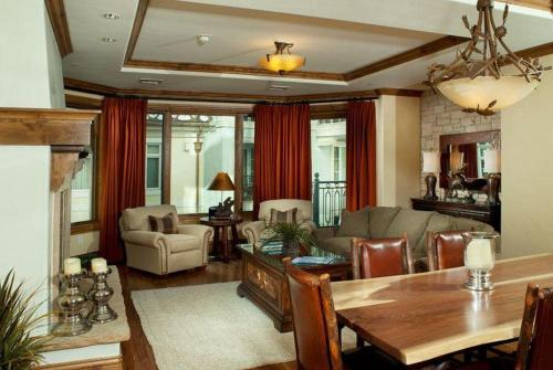Arrabelle Excellence in the Heart of Vail Square