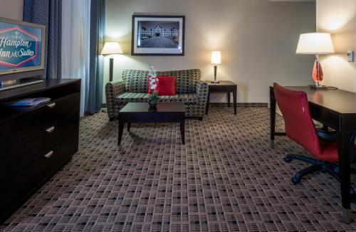 Hampton Inn & Suites Montgomery-Downtown Photo
