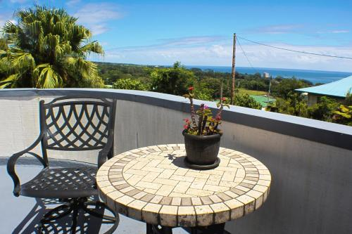 Hilltop Legacy Vacation Rental - Hilo, HI 96720