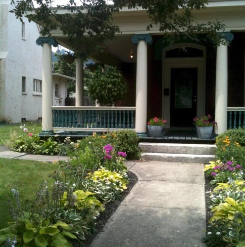 Bayberry House Bed and Breakfast Photo