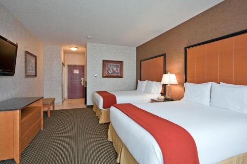 Holiday Inn Express Calgary South Photo