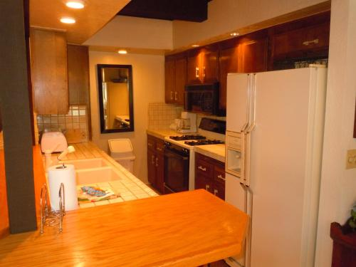 Two-Bedroom Deluxe Unit #125 by Escape For All Seasons - Big Bear Lake, CA 92315