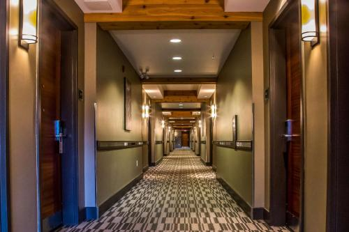 Best Western Plus Revelstoke Photo
