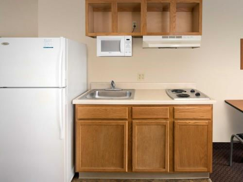 WoodSpring Suites Macon North Photo