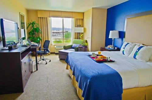Holiday Inn Hotel & Suites Phoenix Airport - Phoenix, AZ 85040