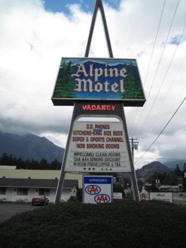 Alpine Motel Photo