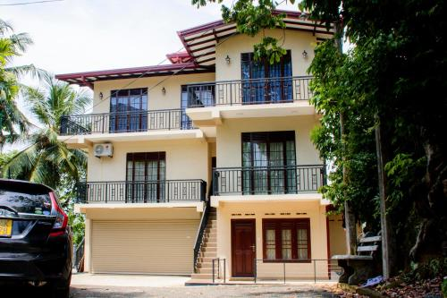 Mountain Holiday Home, Galle