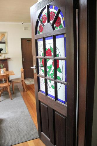 41 on Cedar Bed and Breakfast Photo