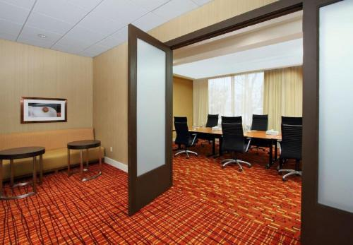 Courtyard by Marriott Lyndhurst/Meadowlands Photo