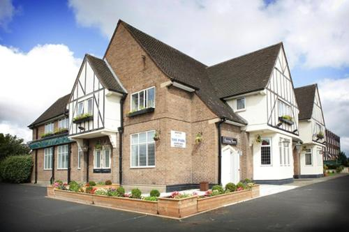 Photo of The Park Hotel Hotel Bed and Breakfast Accommodation in Aintree Merseyside