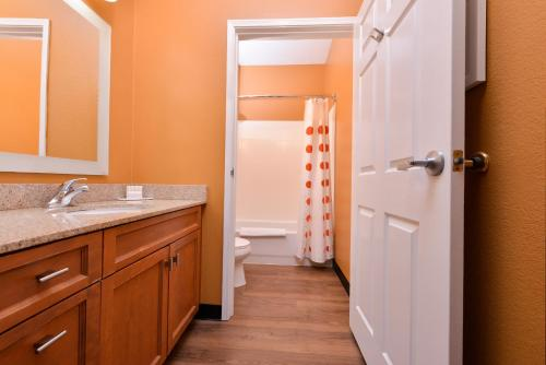 TownePlace Suites by Marriott Ontario Airport Photo