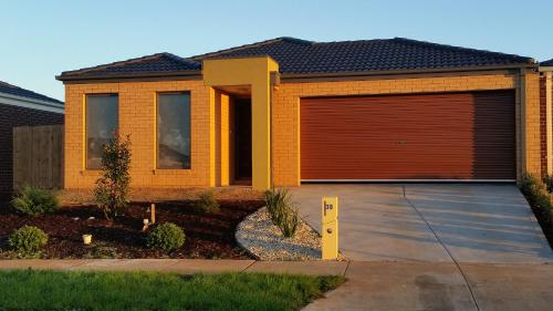 feel right at home, Melton South