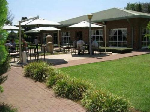 Lakeview Airport Lodge Kempton Park