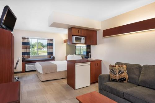 Microtel Inn & Suites By Wyndham, Ste. Genevieve Photo