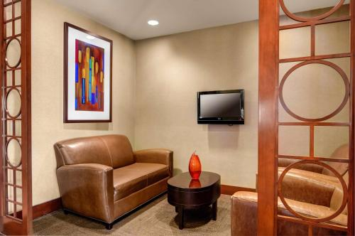 Hyatt Place Atlanta Airport South Photo