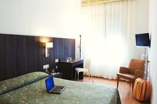 Hotel Miramar Badalona photo 16