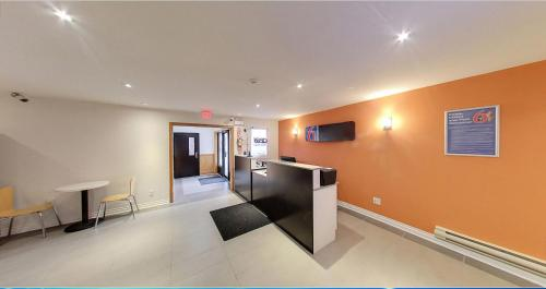 Motel 6 Sudbury ON Photo