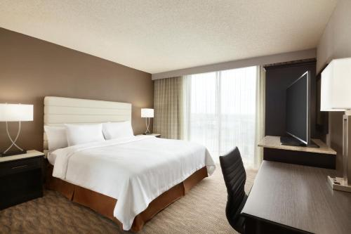 Embassy Suites Oklahoma City Will Rogers World Airport Photo