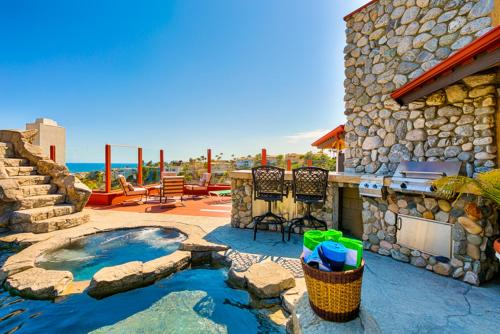 SC-115 - Tuscan Poolside Retreat Four-Bedroom Holiday Home - San Clemente, CA 92674