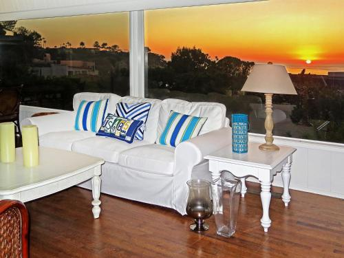 #1740 - Endless Vistas on the Cove Four-Bedroom Holiday Home - La Jolla, CA 92037