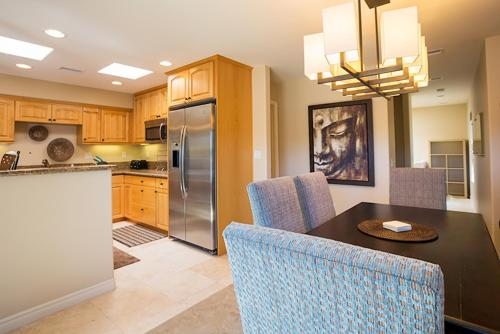#405 - Steps to Paradise Two-Bedroom Apartment - La Jolla, CA 92037