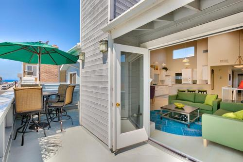 NB-209 Stay and Play Beach House Four-Bedroom Holiday Home - Newport Beach, CA 92663