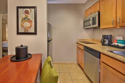 Homewood Suites by Hilton Daytona Beach Speedway-Airport Photo