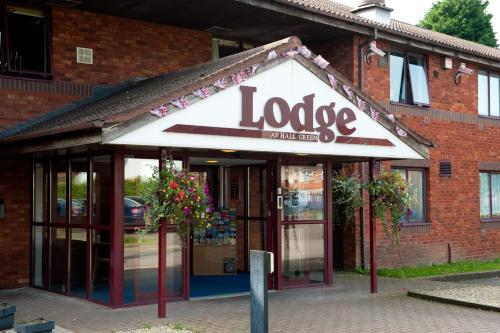 Photo of The Lodge Hotel Hotel Bed and Breakfast Accommodation in Birmingham West Midlands