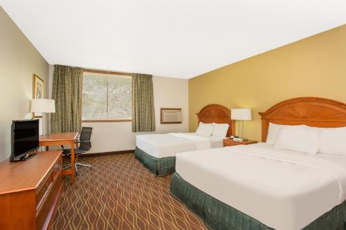 Silverthorne Days Inn - Silverthorne, CO 80498
