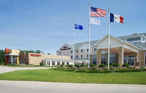 Hilton Garden Inn Dubuque Downtown Photo