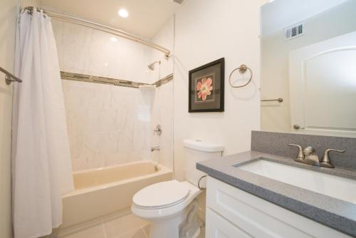 Charming Hollywood Home - Los Angeles, CA 90038