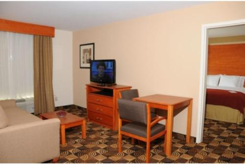 Holiday Inn Express Hotel & Suites Bainbridge Photo
