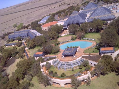 Black Mountain Leisure and Conference Hotel Photo