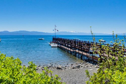 Carnelian Bay Gem Vacation Rental - Carnelian Bay, CA 96140