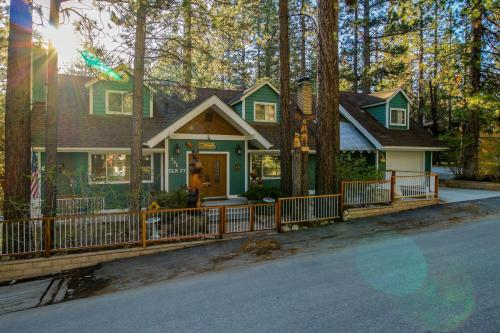 The Sweet Lorraine - Big Bear Lake, CA 92315