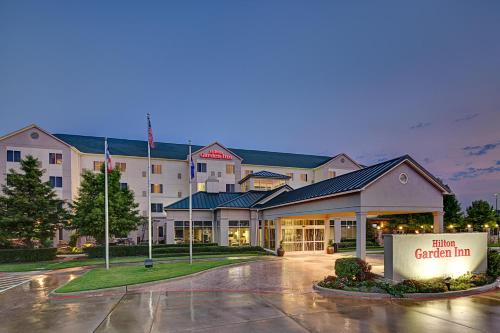 Hilton Garden Inn DFW Airport South Photo