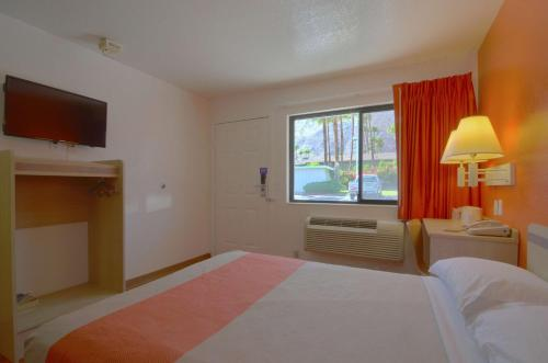 Motel 6 Palm Springs East Photo