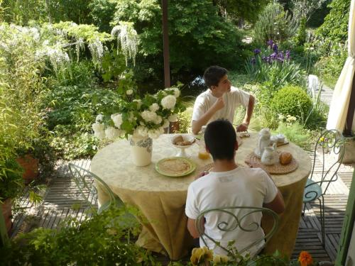 Hotel chambres d 39 h tes au jardin biscarosse rumbo for Au jardin guesthouse