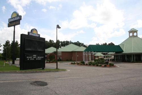 Days Inn Petersburg- Fort Lee/South