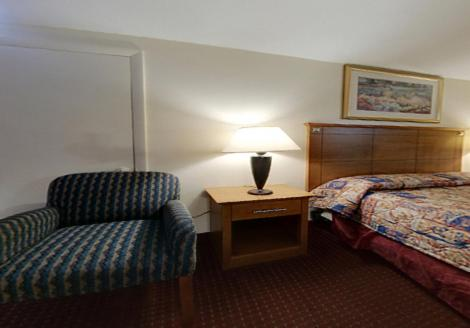 Americas Best Value Inn Niantic Photo